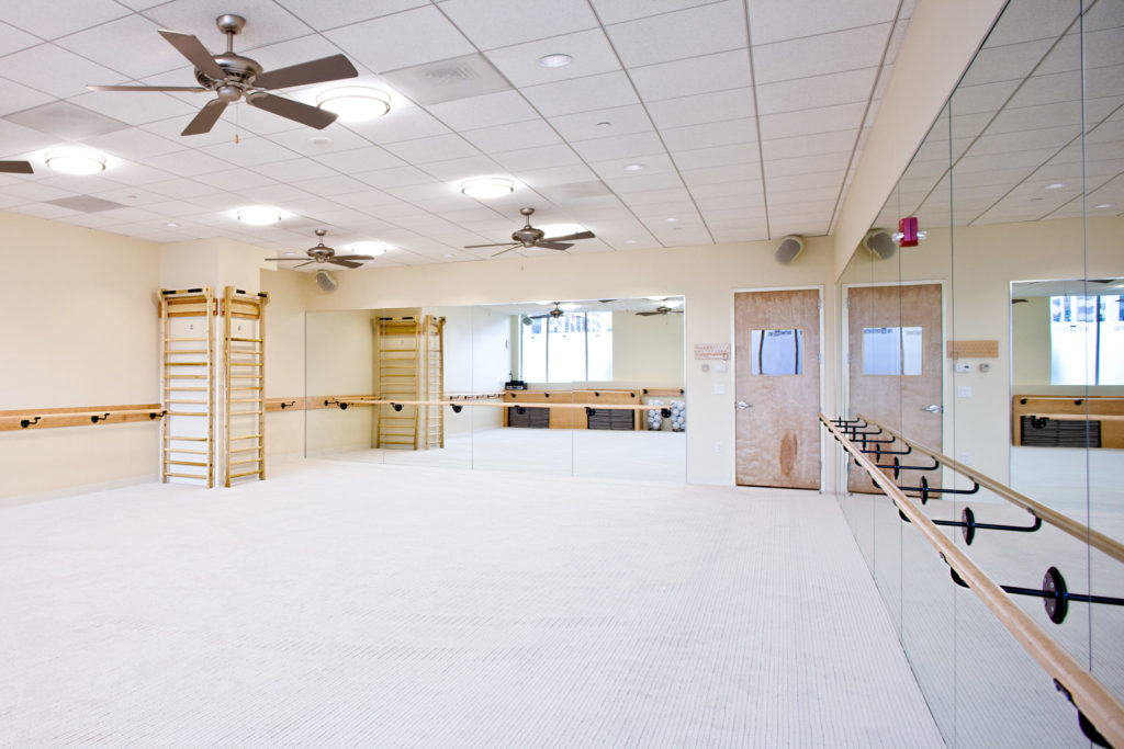 Barre studio: Bar Method offering barre classes in Washington DC