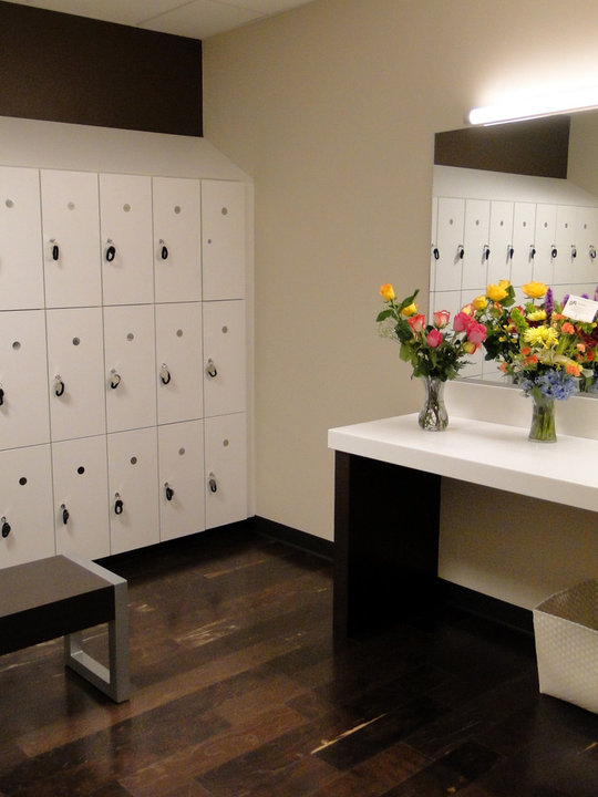 White lockers at the Bar Method in Dallas Park Cities