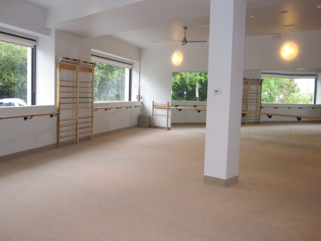 additional image of the open barre studio at the Bar Method in Englewood