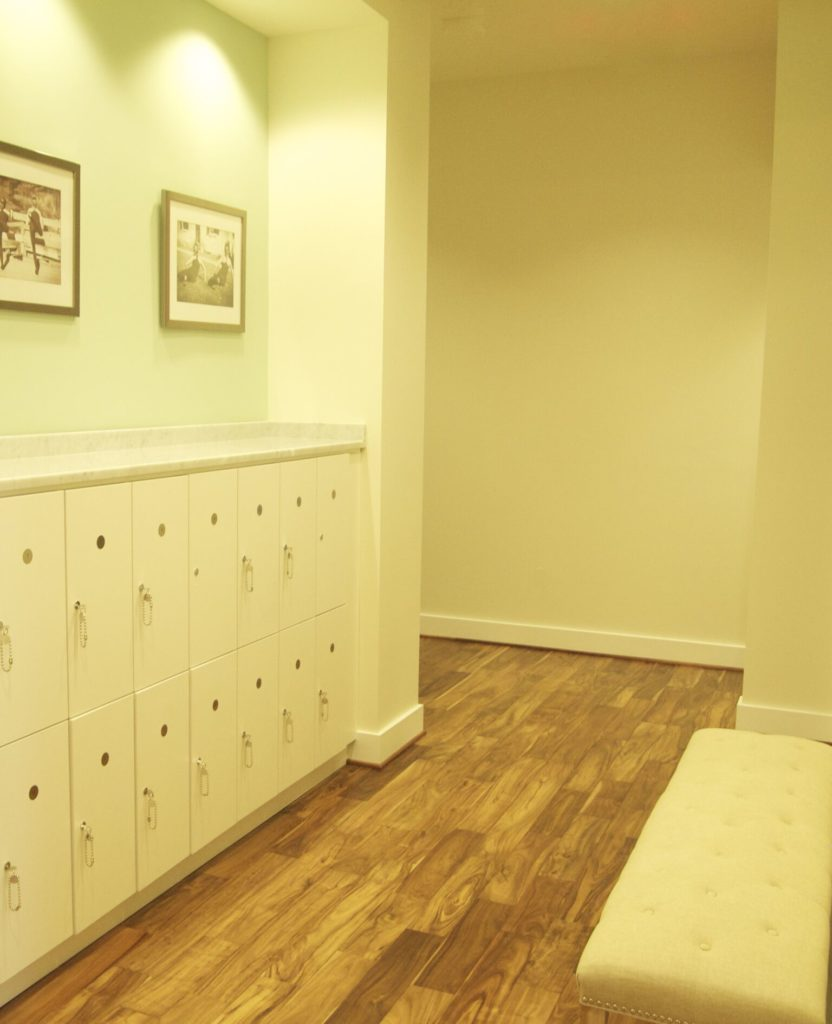 Lockers: Bar Method offering barre classes in the Kentlands North Potomac Gaithersburg