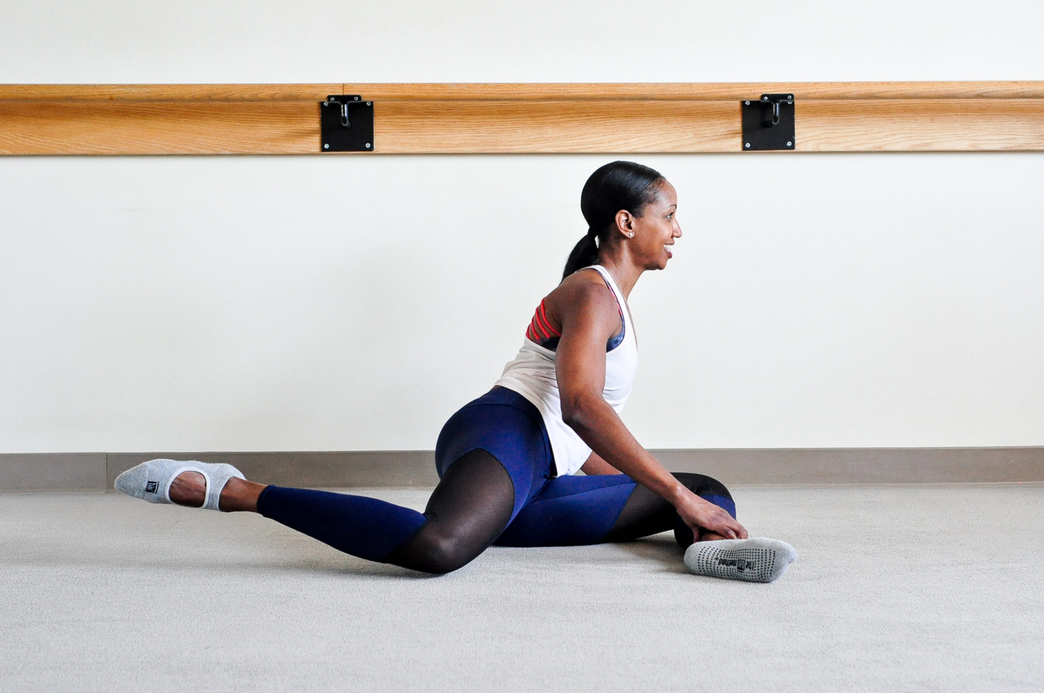 barre-bar method-glutes exercise