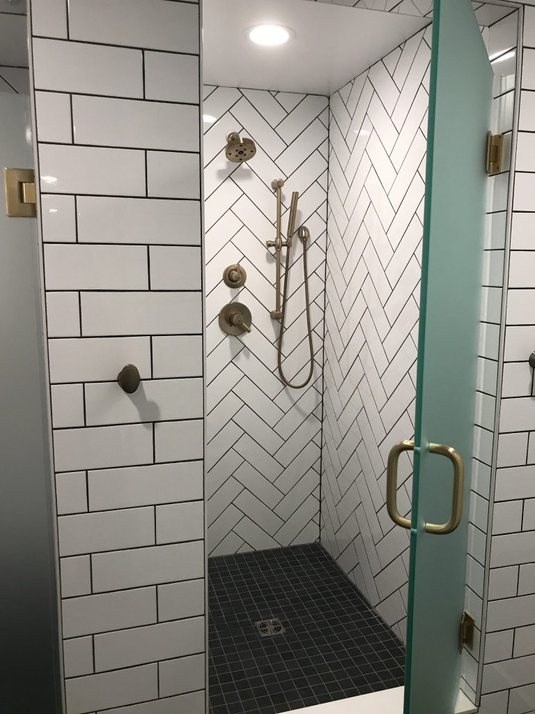 Showers at The Bar Method Rittenhouse